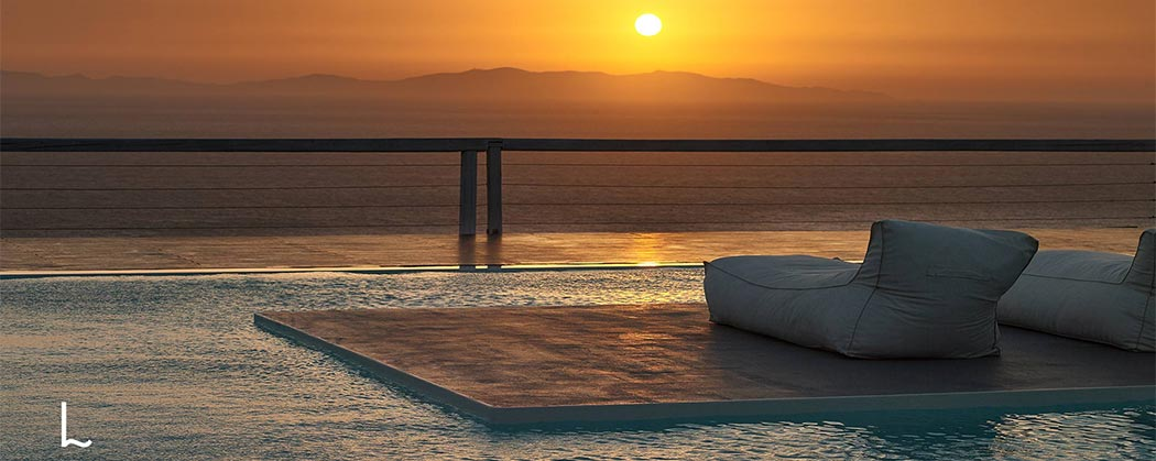 Rent a villa in Mykonos for luxury vacations in Greece