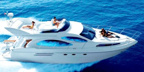 Charter Yacht Azimut 46 from Mykonos