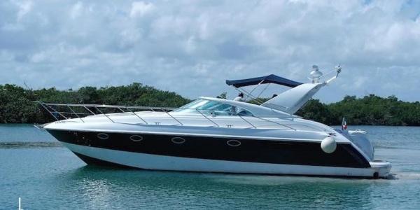 Charter Yacht Fairline Targa 43 in Mykonos